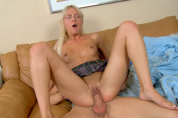Great anal sex video with a filthy blonde